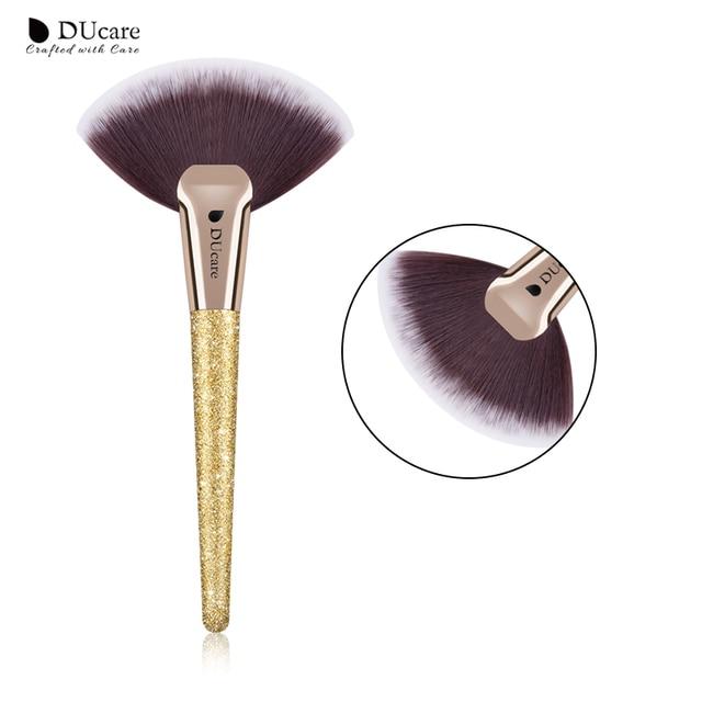 DUcare 1 PC Fan cepillo resaltador pinceles de maquillaje en polvo cepillo de contorno cara dorada hacer herramientas