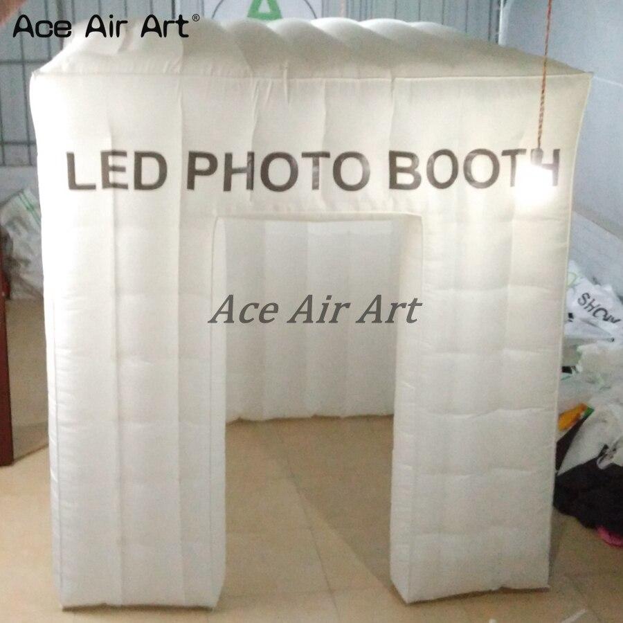Cabine de photo led gonflable de conception spéciale avec des lumières suspendues à l'extérieur et des portes autocollantes amovibles pour l'amérique du sud