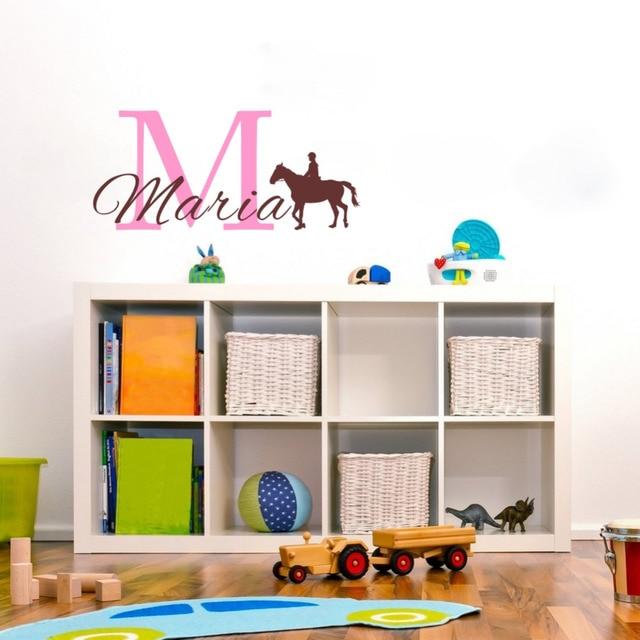 US $5.87 11% OFF|Kreative Kundenspezifische Kind Name Großbuchstaben und  Reiten Vinyl Wandtattoo für Kinderzimmer Dekoration in Kreative ...