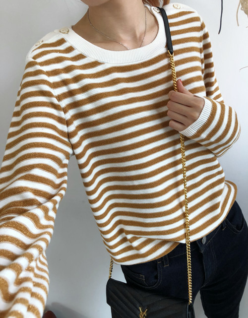 Women Spring Sweater Pullover Pull Overpull Dark Flash Stripes Reverse Wild Sweater with Shoulder Buttons