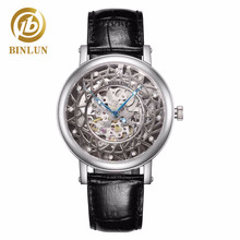 男性のスケルトン腕時計自動高級本革防水腕時計スケルトンダイヤル男性の機械式時計 BINLUN