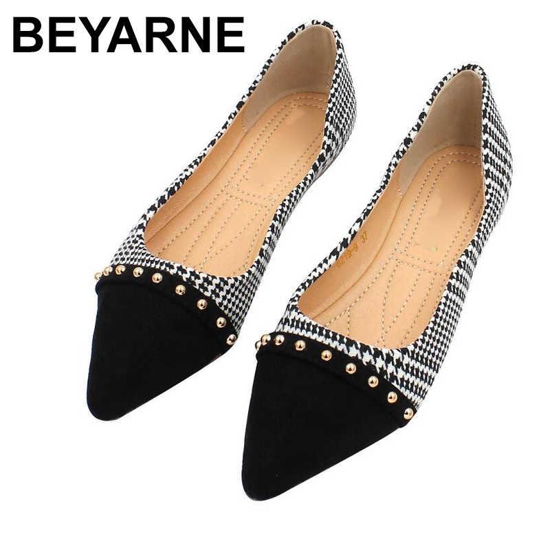 BEYARNENew femmes appartements mode printemps dames bout pointu chaussures plates femme Rivet conception chaussures peu profondes mocassins chaussures décontractées