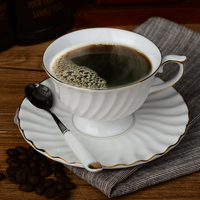 200 ml Blanc En Céramique Café Tasse Tasse De Thé Ensemble avec Une Cuillère à Thé En Porcelaine tasse et Soucoupe Classique Royal Noir Thé Tasse Verrerie Cadeaux