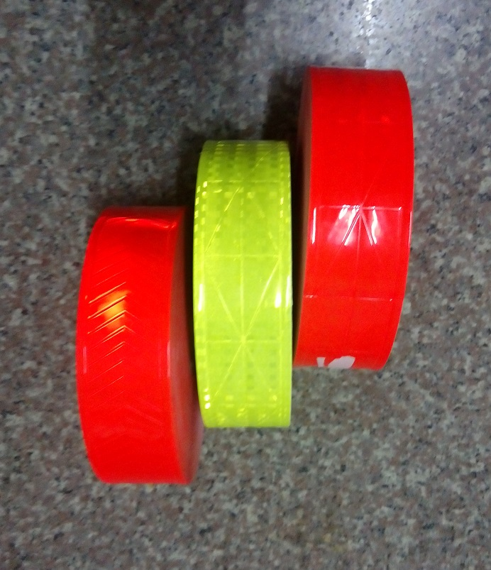 Night Dark Reflective  Waterproof PVC Tape Warning Sasfey Material