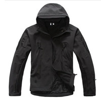 2018 Brand V5 0 Tactical Military Men Jacket Lurker Shark Skin Soft Shell Waterproof Windproof Men