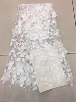 2018 white lace fabric 3D flowers beaded on netting/mesh embroidered wedding/ lace appliques for dresses