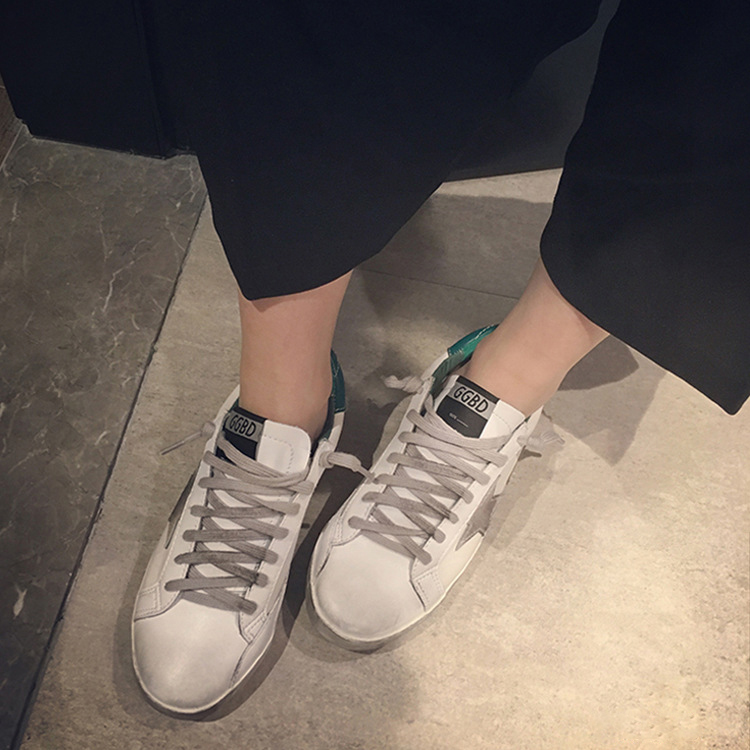 c8350b006f56 Golf Korean White Shoe Old Small Dirty Women Shoes Flat Skate Lace Up Shoes  Stars All Match Students Shoes Woman Sports-in Skateboarding from Sports ...