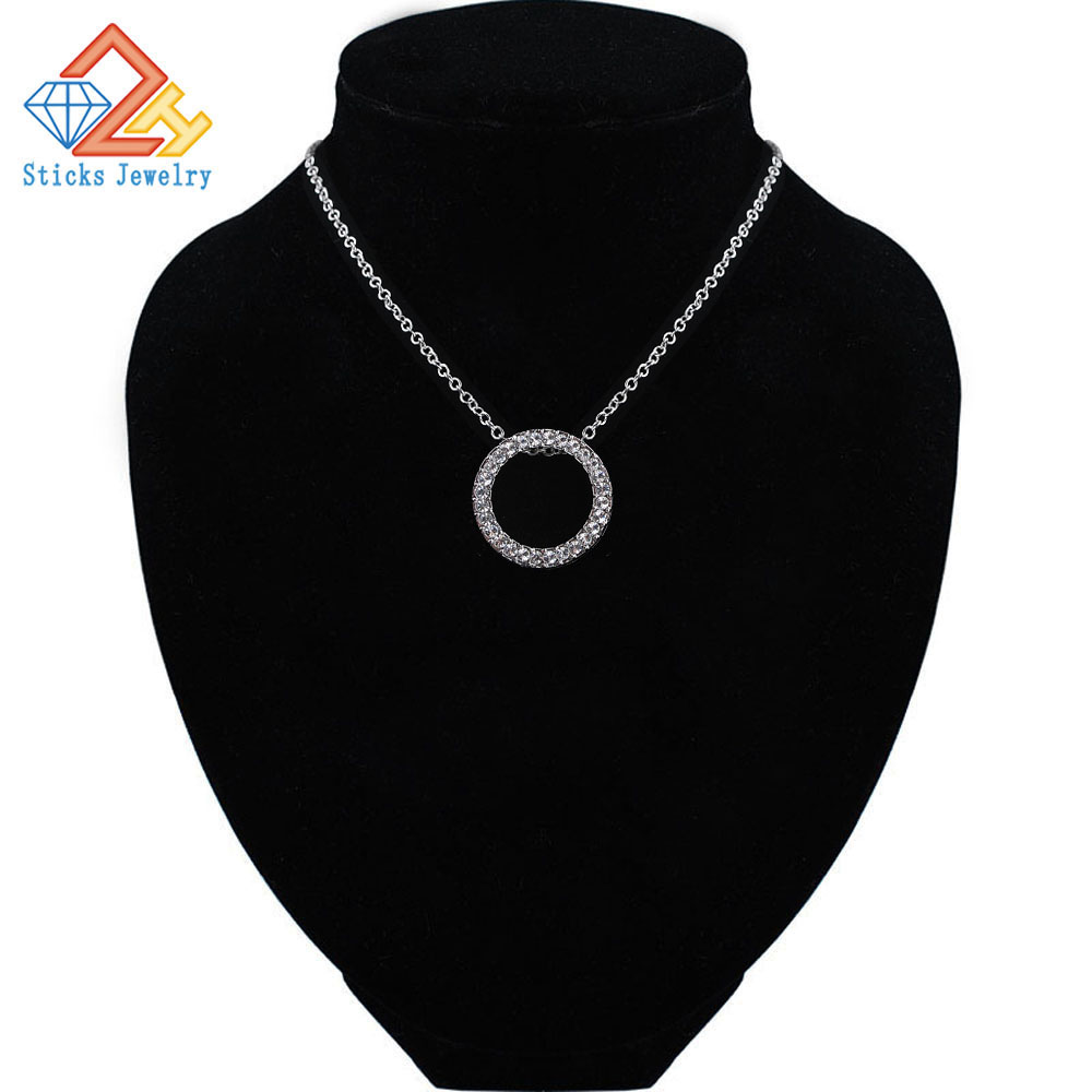 Chic Round Pendant Statement Necklace Zinc Alloy White Black Sliding Lady Necklace Pendant in Pendants from Jewelry Accessories