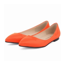 купить 2018 Spring New Ladies Flat Shoes Casual Women Shoes Comfortable Pointed Toe Patent Leather Flat Shoes NLK-C0051 дешево