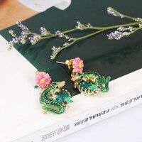 Новый Шаблон Эмаль Глазури Зеленый Крокодил Розовые Цветы Кристалл Ухо Гвоздь Серьга Нет Fade Женщина