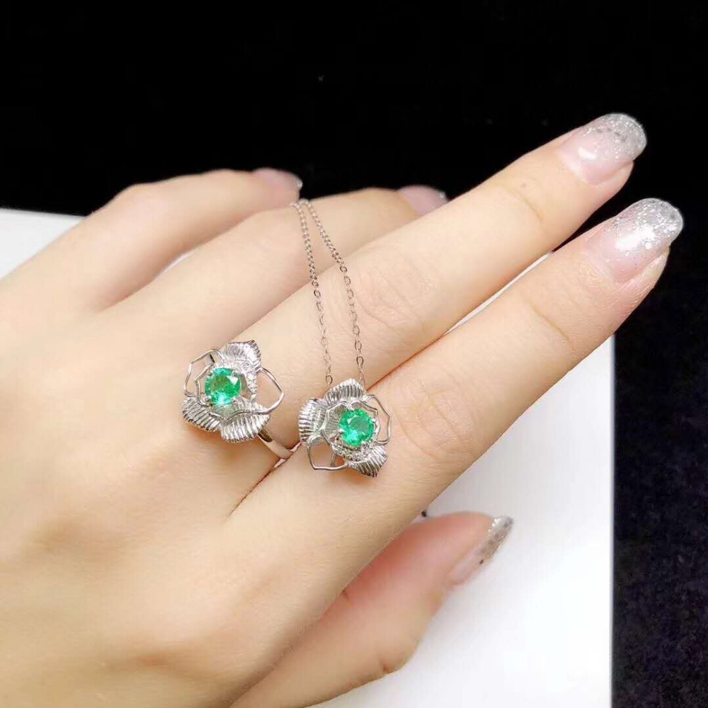 Pure natural Columbia emerald suit Emerald Ring Emerald Necklace Coloured Gemstone colour jewel цена