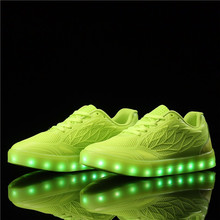 2019 Hot Selling Fashionable Glowing Sneakers USB Charger Shoes with Led Lights shoes for girl kids