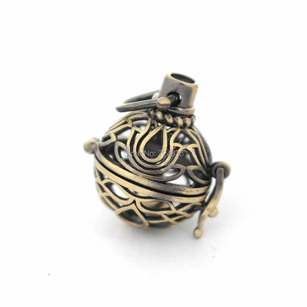 39x25mm Hollow Round Ball Box Vintage Filigree Cage Locket Pendant For DIY Essential Oil Diffuser Perfume Sound Chime Necklace