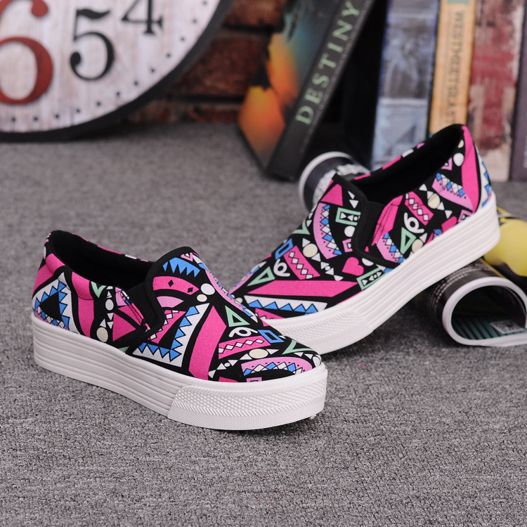 Canvas Shoes Women Girl 2016 New Footwear Female Slip On Platform Casual Shoes Flatform Autumn Graffiti Round Toe Loafers Flats (2)