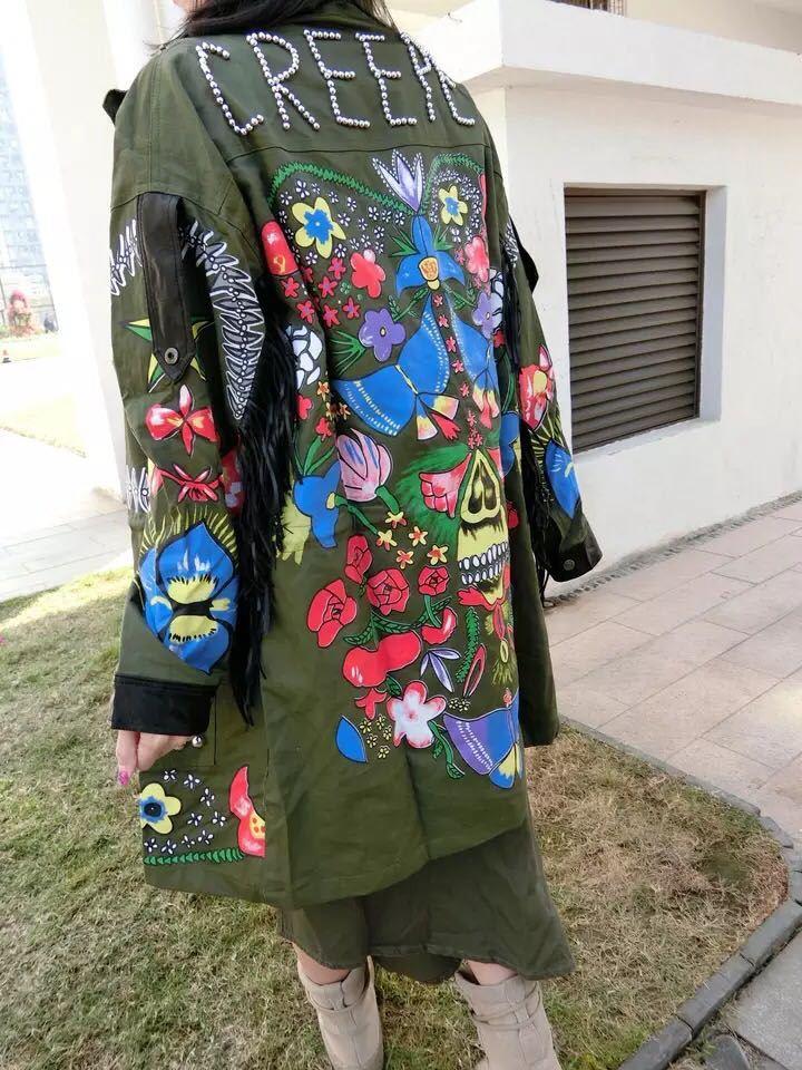 Yingyuanfang 2017 Весенняя Новинка прилив бренд печати с заклепками и бахромой Длинные рукава ветровка женские свободные в длинный участок