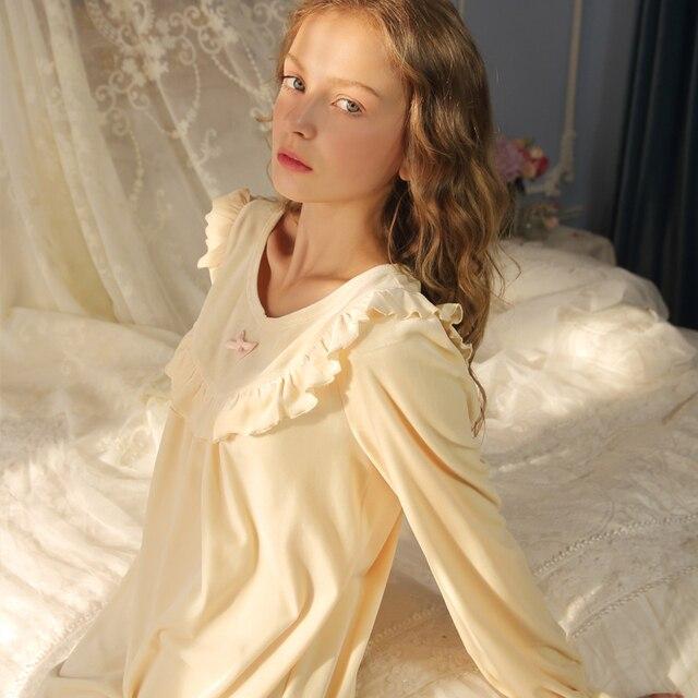 O Envio gratuito de Mulheres Camisolas de Veludo Princesa Nightdress Pijama Sleepwear Outono Inverno Longo-Manga Longa Vintage p16028
