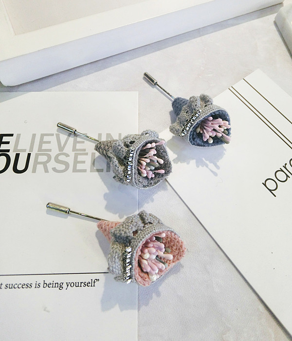 Korea Handmade Modern Flower Brooches Pins Badges Fashion Jewelry For Girl Woman Suits Accessories JQGWBH016F in Brooches from Jewelry Accessories