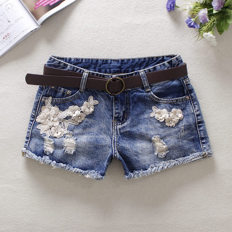 2019 Summer Blue Women's Denim   Shorts   Mid Waist Hole Flowers Jeans Bleached England Style Button 100% Cotton Denim   Shorts   9560