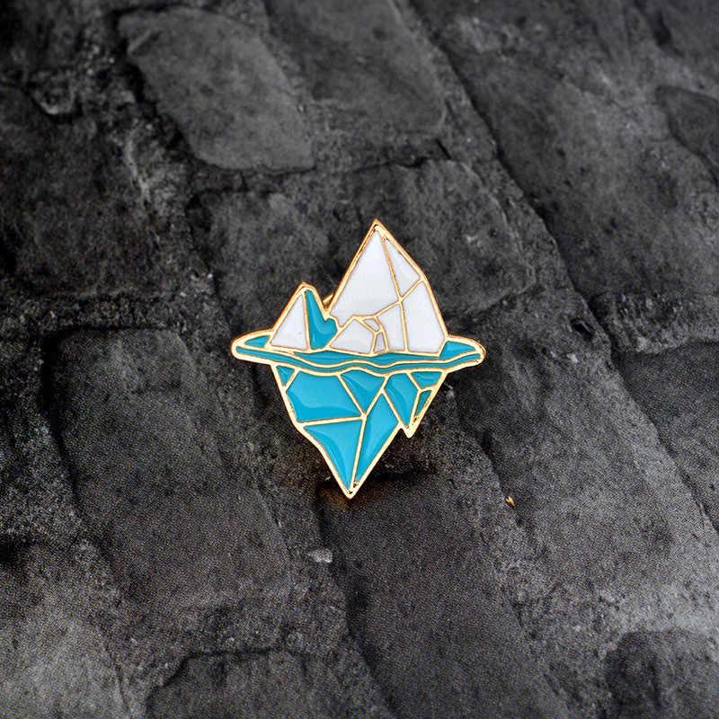 ZN Antártico iceberg Broche para As Mulheres Meninas de Metal Esmalte Azul Pino do Botão Jaqueta Branca De Neve Montanha Mochila de Presente de Pino de Jóias