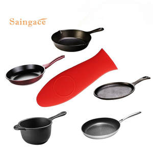 Non-Slip Silicone Holder protecting pan handle cover set