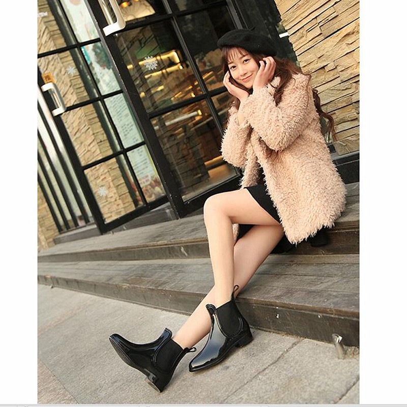 2017 New Women Rubber Rain Boots Ankle Jelly Shoes Waterproof Botas Elastic Band Chelsea Rain Shoes Wine Red Black