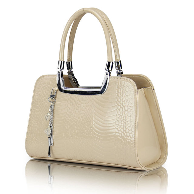 2017 New Arrival Tote Handbags Patent Leather Totes Korean Style Patent Leather Scale Crystal Pendant Bags Wholesale SMYYG-C0049