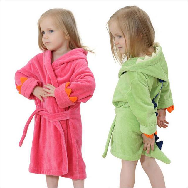 Roupões de Banho das crianças Do Bebê Meninos Dinossauro Modelagem De Banho Das Meninas Com Capuz Robe de Flanela Pijamas Roupões De Banho Crianças Toalha de Banho Macia