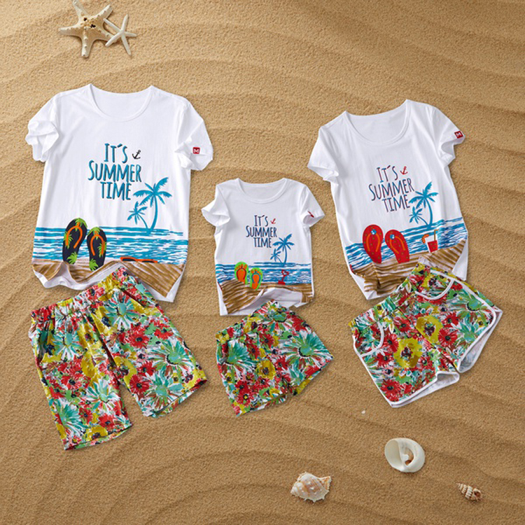 Beach Family Matching Outfits Look Mother Daughter Father Son Bath Swimsuits Mommy Daddy and Me Clothes Swimwear Clothing SetsBeach Family Matching Outfits Look Mother Daughter Father Son Bath Swimsuits Mommy Daddy and Me Clothes Swimwear Clothing Sets