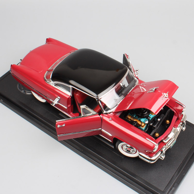1:18 Scale Road Signature Classic Luxury Ford 1952 Lincoln