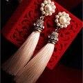 Simulado pérola flor brincos longos borla para as mulheres de cor branca de moda de jóias por atacado