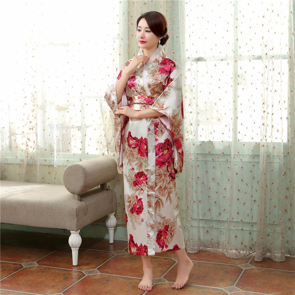 90bf8b92ff29 Nuovo Fiore Nazionale Giapponese Femminile Kimono Abito Tradizionale delle  Donne Raso Accappatoio Yukata Con Obi Prestazioni Abbigliamento per la  Danza in ...