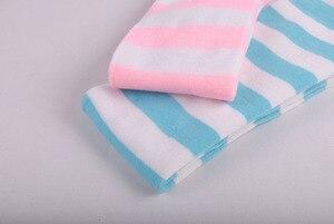 Image 5 - อะนิเมะสีฟ้าสีขาว/สีชมพูสีขาวกว้างStripesถุงเท้าเข่าน่ารักขนาดL/XLขายส่ง4คู่/ล็อต