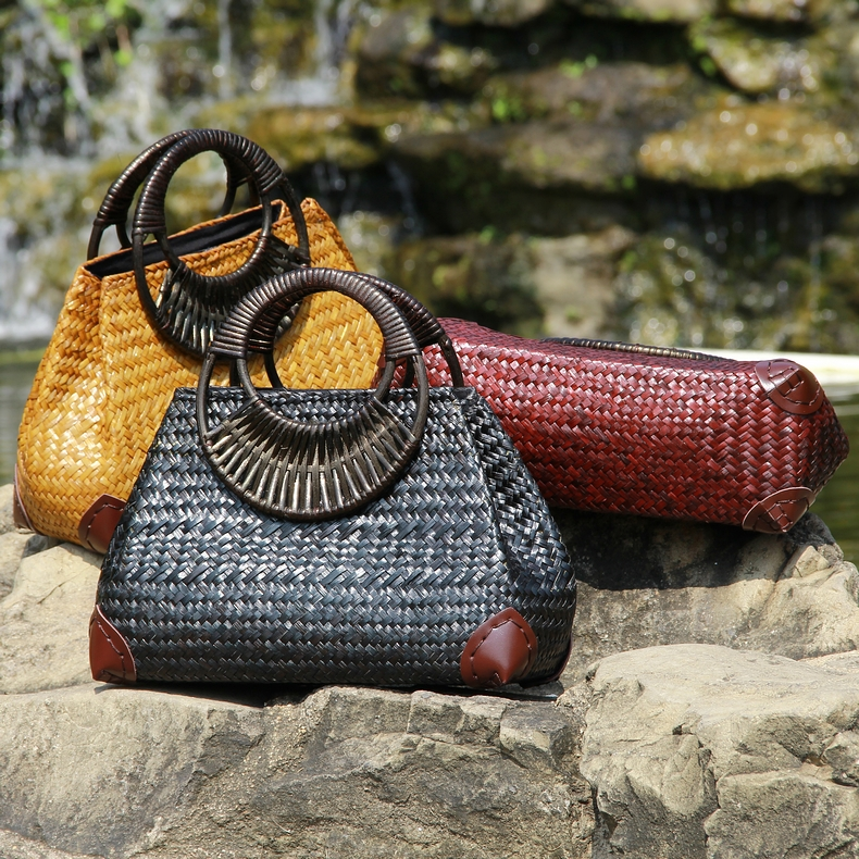 The new Thai version of the handmade straw rattan bamboo bamboo handle handle bag beach vacation package national style woven ba vacation