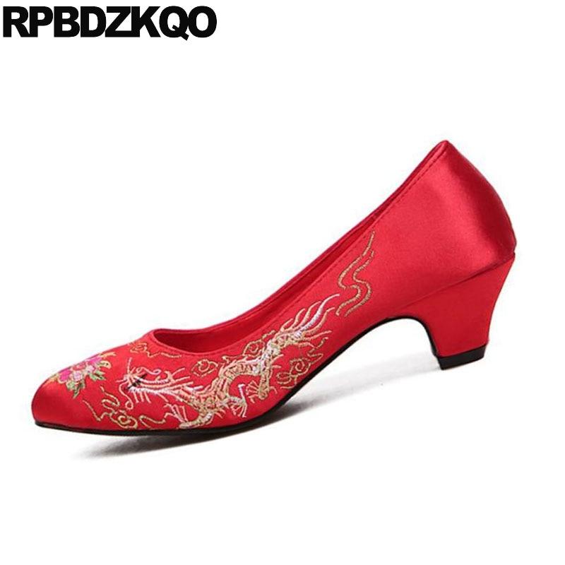 Taille Mariée Rouge 4 Pas Chaussures 34 Satin Fleur 2018 La Soie De Broderie Mariage Rond Cher Talons Bout Brodé Moyen Pompes Dames Chaton r4xqTr6