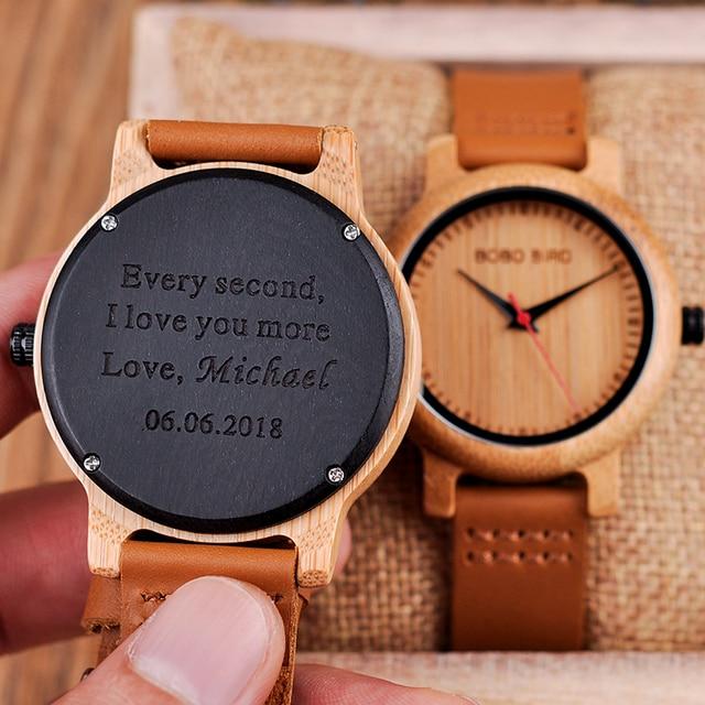 e29b2d7b1126 Grabado relojes de madera para hombres mujeres aniversario compromiso de  los Amantes regalo personalizado para padre