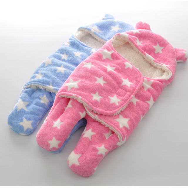 65*75 cm   Cartoon Divided  sleeping bag Autumn and winter thickening sleeping bag with hat