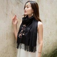Broderie De Mode Écharpe En Cachemire femmes D'hiver Gland Chaud Fleur Pashmina 8 couleur Rouge Gris Noir Wrap Châle vente chaude Cachecol