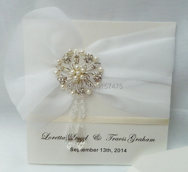 Hi1017 Elegant Ivory Personalised Wedding Invitations With Crystal