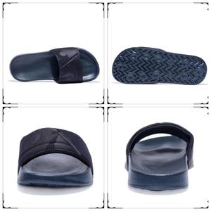 Image 2 - 브랜드 품질 슬리퍼 남자 욕실 신발 플랫 플립 퍼 빛 야외 비치 샌들 신발 큰 크기 50 어두운 위장 표면