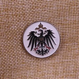 Image 1 - Badge allemand en émail ww2, royaume de prusse