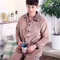 2017 Nova Primavera Inverno Manter Aquecido Grosso Coral do Velo Dos Homens Conjunto de Sono Tops & Shorts de pijama de Flanela Sleepwear Térmica camisola
