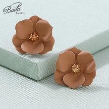 Badu Flower Stud Earring Lovely Floral Women Studs Rhinestone Korean Jewelry Bohemian Gift for Girlfriend Wholesale