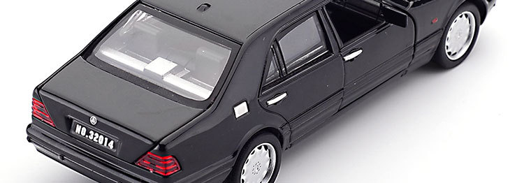 Mercedes-Benz S W140 Model Car with Sound and Lights 9
