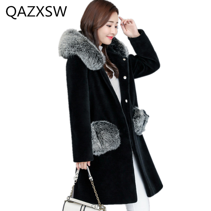 2019 New Women's Winter Fur Outer Sheep Shearing Long Thick Fox Fur Collar Hooded Jacket Loose Warm Cashmere Coat TQ388