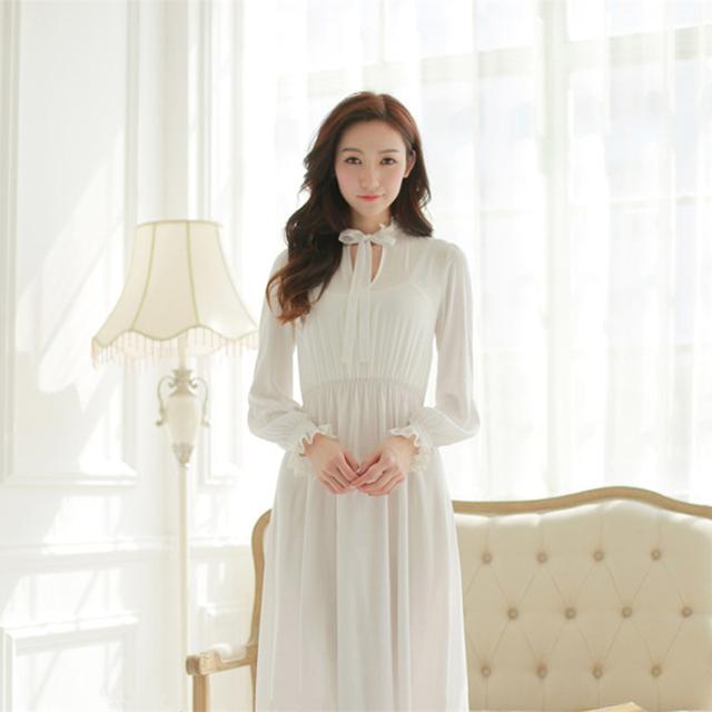 Longa camisola Sleepwear Longa camisola das Mulheres Clássicos Do Vintage Princesa camisola Branca e Azul Camisola Frete Grátis