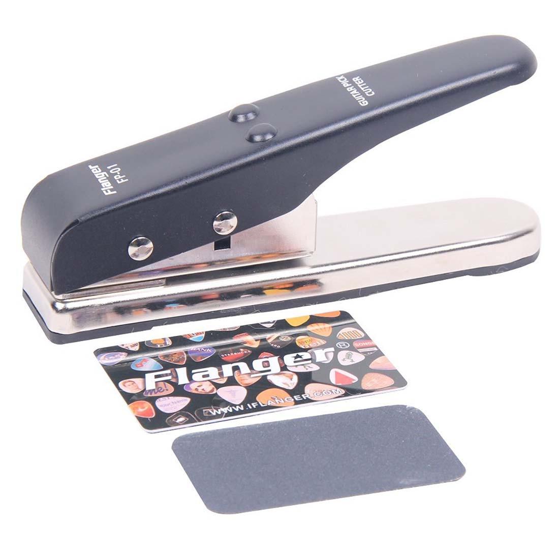 Signstek Professional Portable Flanger Pick Punch Guitar Pick Plectrum Maker Pick Cutter *Black*