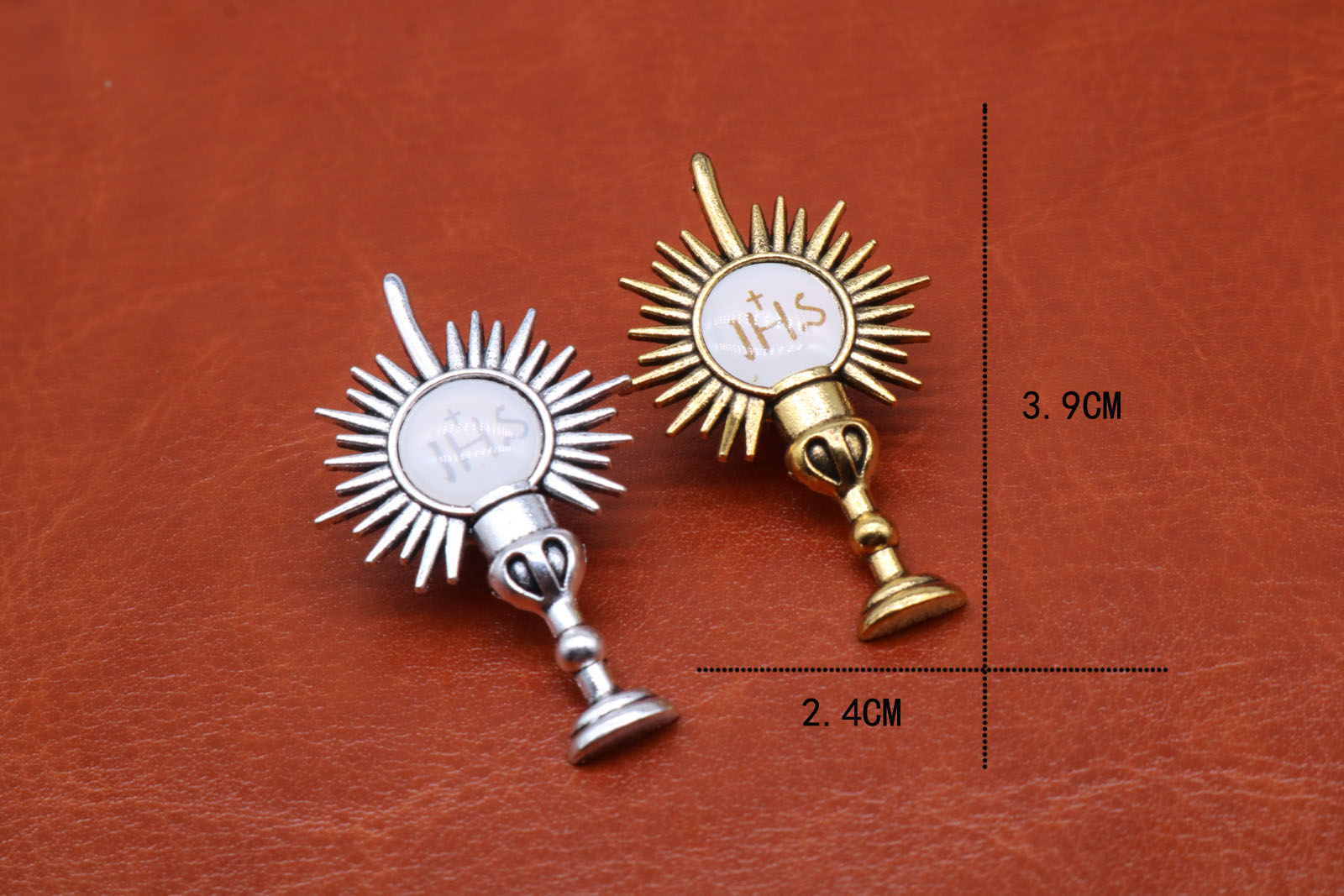 Wholesale religion 12PCS. zinc alloy gold and silver Jesus cross crucifix cup brooch. Holy Grail brooch.