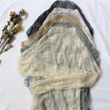 夏の女性のレースの花刺繍ブラウスシャツ女性はセクシーなメッシュブラウス透明エレガントなシースルーブラックシャツ