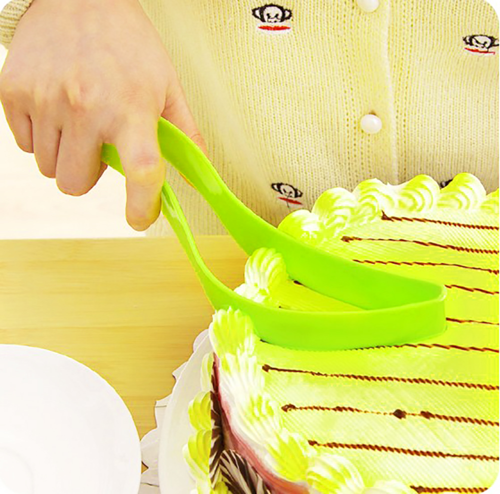 Kitchen One Piece Cake Mold Cookie Cutter Knife Form Baking Tools Accessories Color Random