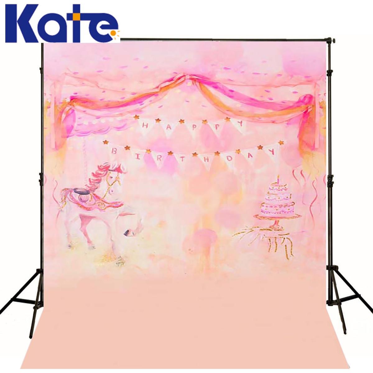 Фото розовых лошадей
